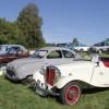 Även personbilar visades som dessa tjusiga modeller.