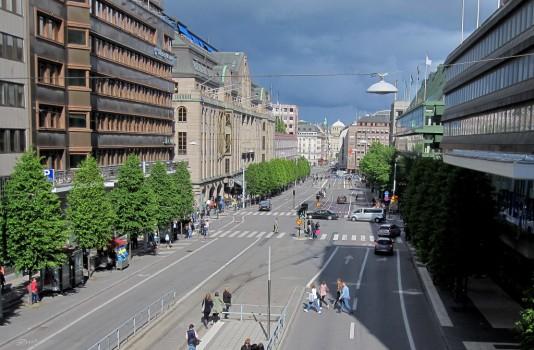 13 IMG_0877 Gallerian och NK från Malmskillnadsgatan, avstängda gator, Stockholm marathon