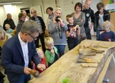 Stefan Hagström visade skulptörådra.