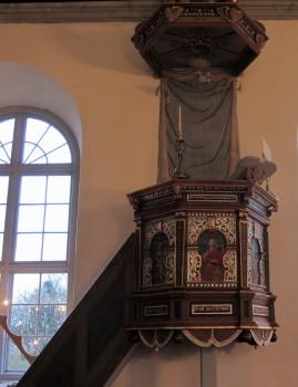 10 IMG_1884 Predikstol från 1641