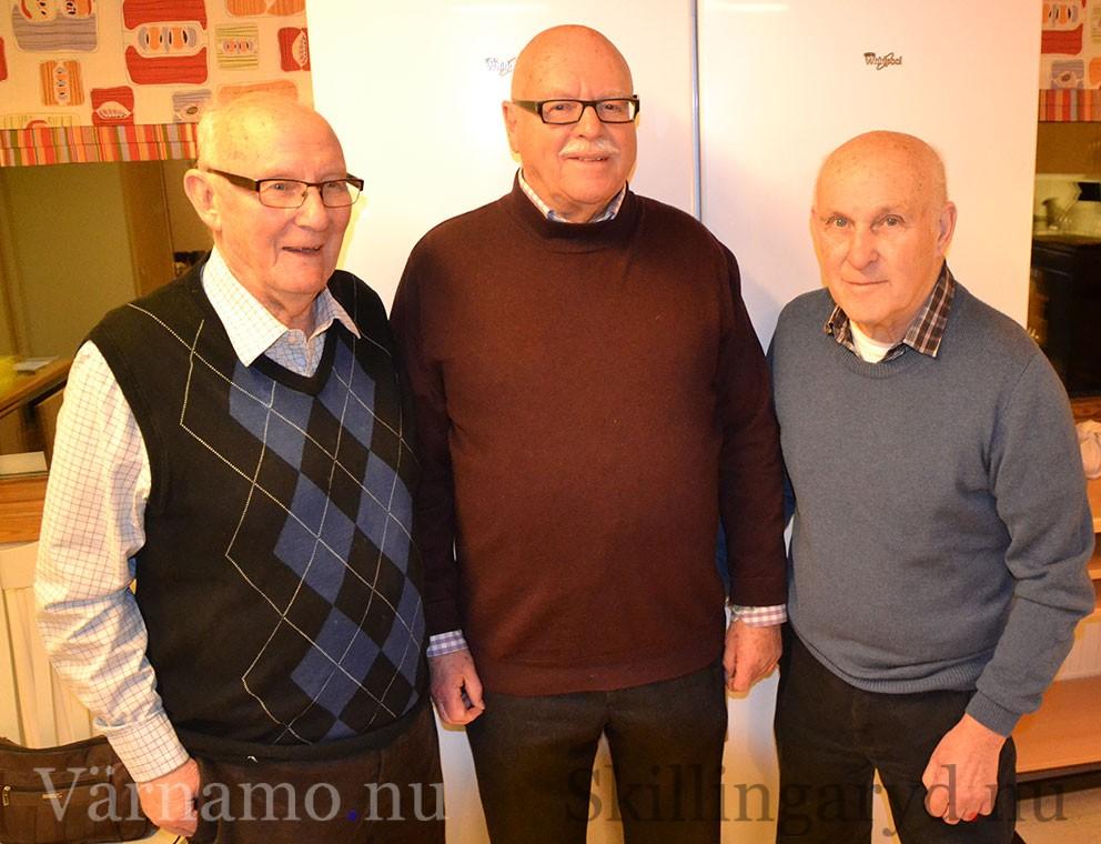 Åke andrén i mittne med jämnåriga barndomsvännerna Uno Wallenberg och Göran Krantz.