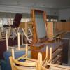 Möbler har blivit tillfälligt placerade på tillgänglig plats