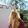 Prinsessan (Julia Fotsjö) blev räddade. Alla blev riddare.